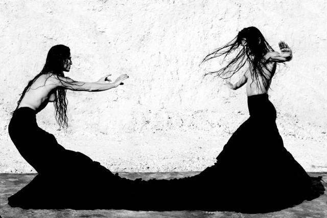 Женщины фламенко. Из книги «Mil Besos». Автор Рувен Афанадор (2)