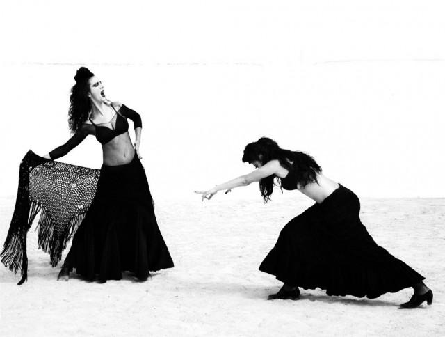 Женщины фламенко. Из книги «Mil Besos». Автор Рувен Афанадор (6)