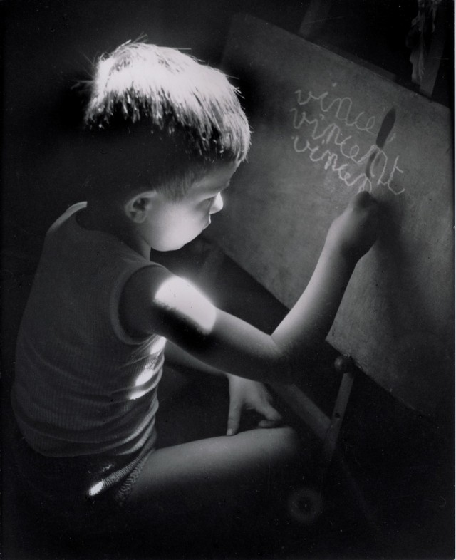 Летняя домашняя работа, 1945. Фотограф Вилли Рони