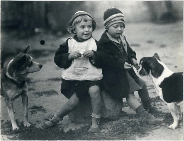 «Друзья», ок. 1928. Фотограф Георгий Сошальский
