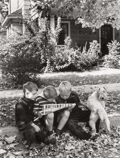 Свежий комикс, Гамильтон, штат Огайо, 1943. Фотограф Альфред Эйзенштадт.