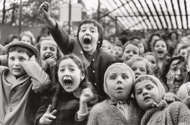 Дети в кукольном театре, Париж, 1963. Фотограф Альфред Эйзенштадт