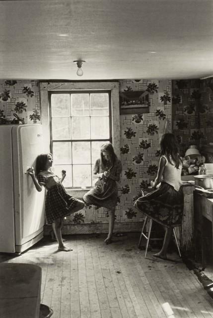 Девочки на кухне, Кентукки, 1964. Фотограф Уильям Гедни