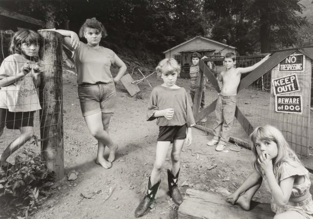 Детская территория, 1997. Фотограф Шелби Ли Адамс