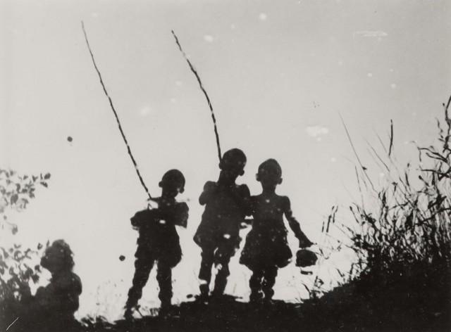 На реке, 1930-е годы. Фотограф Йозеф Бартушка