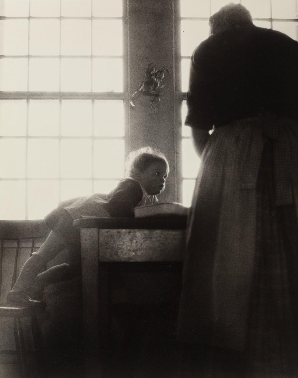 С мамой, 1940. Фотограф Нелл Дорр