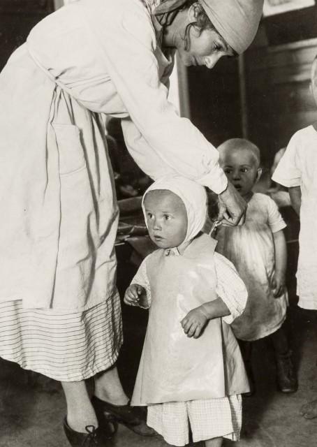 Первые детские сады в Москве, 1928. Фотограф Аркадий Шайхет