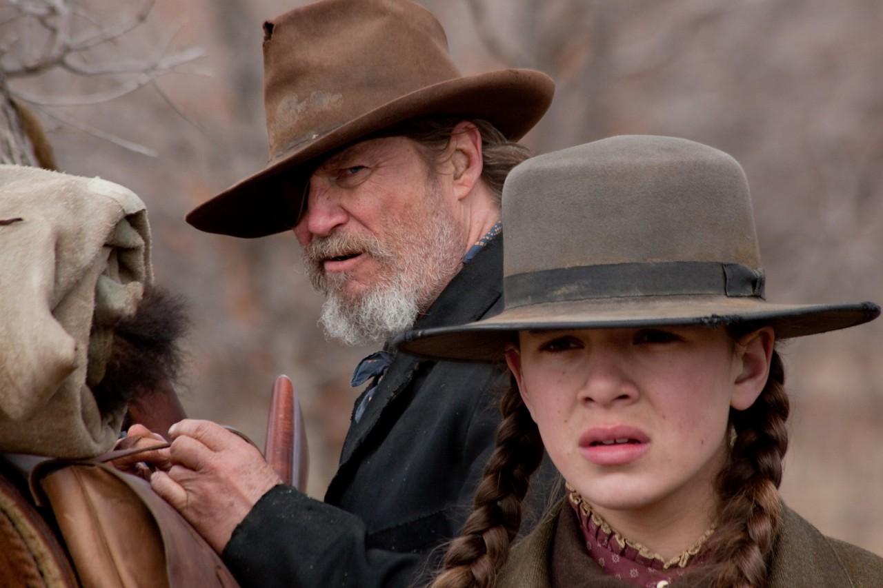 Джефф Бриджес и Хейли Стейнфилд в фильме «Железная хватка», 2010