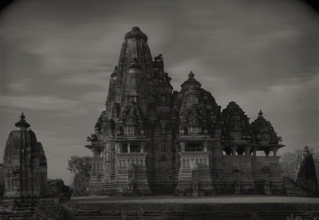 Группа храмов в Кхаджурахо, Индия, 1997. Фотограф Кенро Идзу