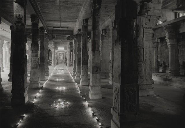 Кондживерам (Канчипурам, Канчи, «город тысячи гопур»), Индия, 2012. Фотограф Кенро Идзу