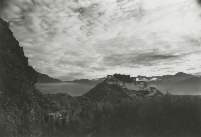 Потала, Лхас, Тибет, 1998. Фотограф Кенро Идзу