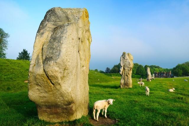 Эйвбери – культовый объект позднего неолита и ранней бронзы. Графство Уилтшир, Англия. Фотограф Хартмут Криниц