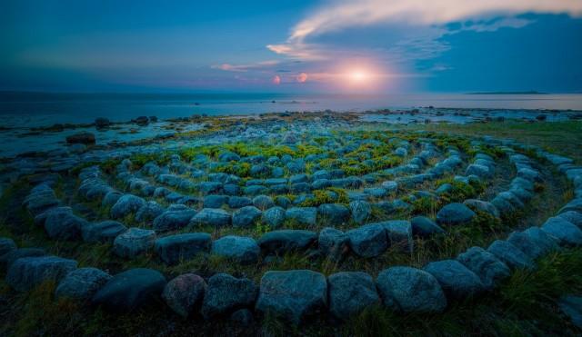 Каменные спиралевидные лабиринты на Соловецких островах, Россия