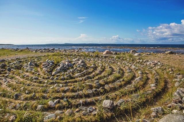 Каменные спиралевидные лабиринты на Соловецких островах, Архангельская область, Белое море, Россия. Фотограф Юлия Маркова