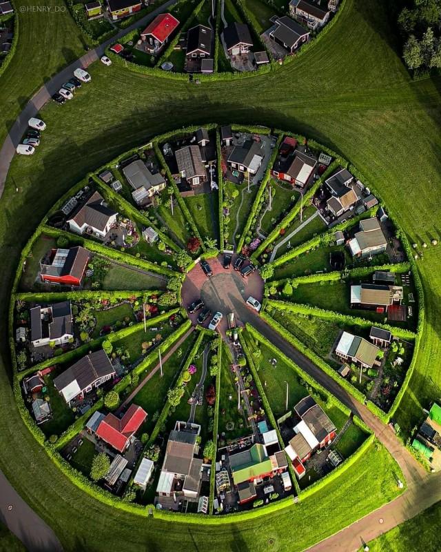 Colony Gardens, Дания. Фотограф Генри До