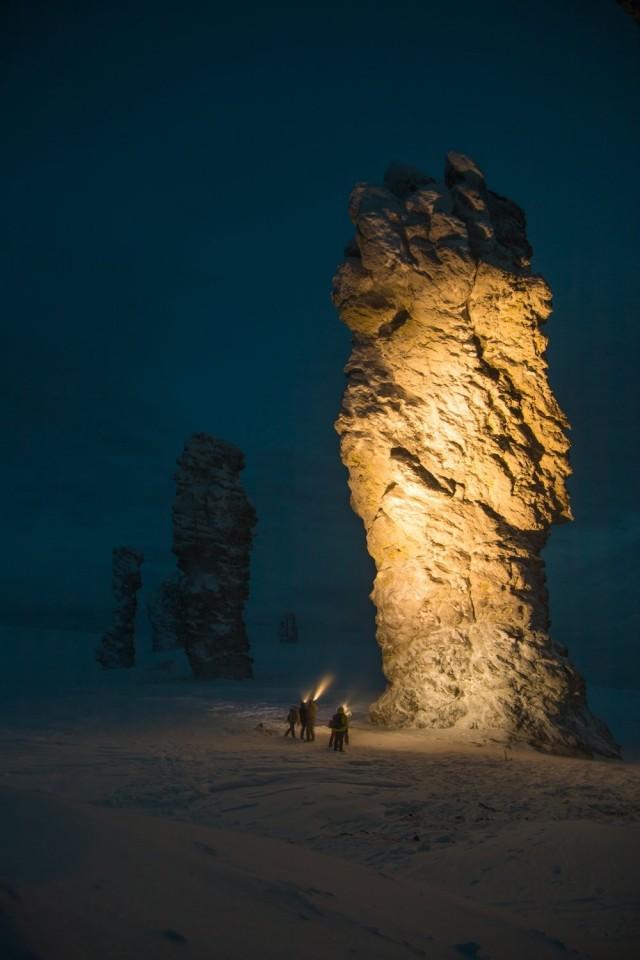 «Ночь среди великанов», плато Маньпупунёр в Коми. Фотограф Дмитрий Лобанов