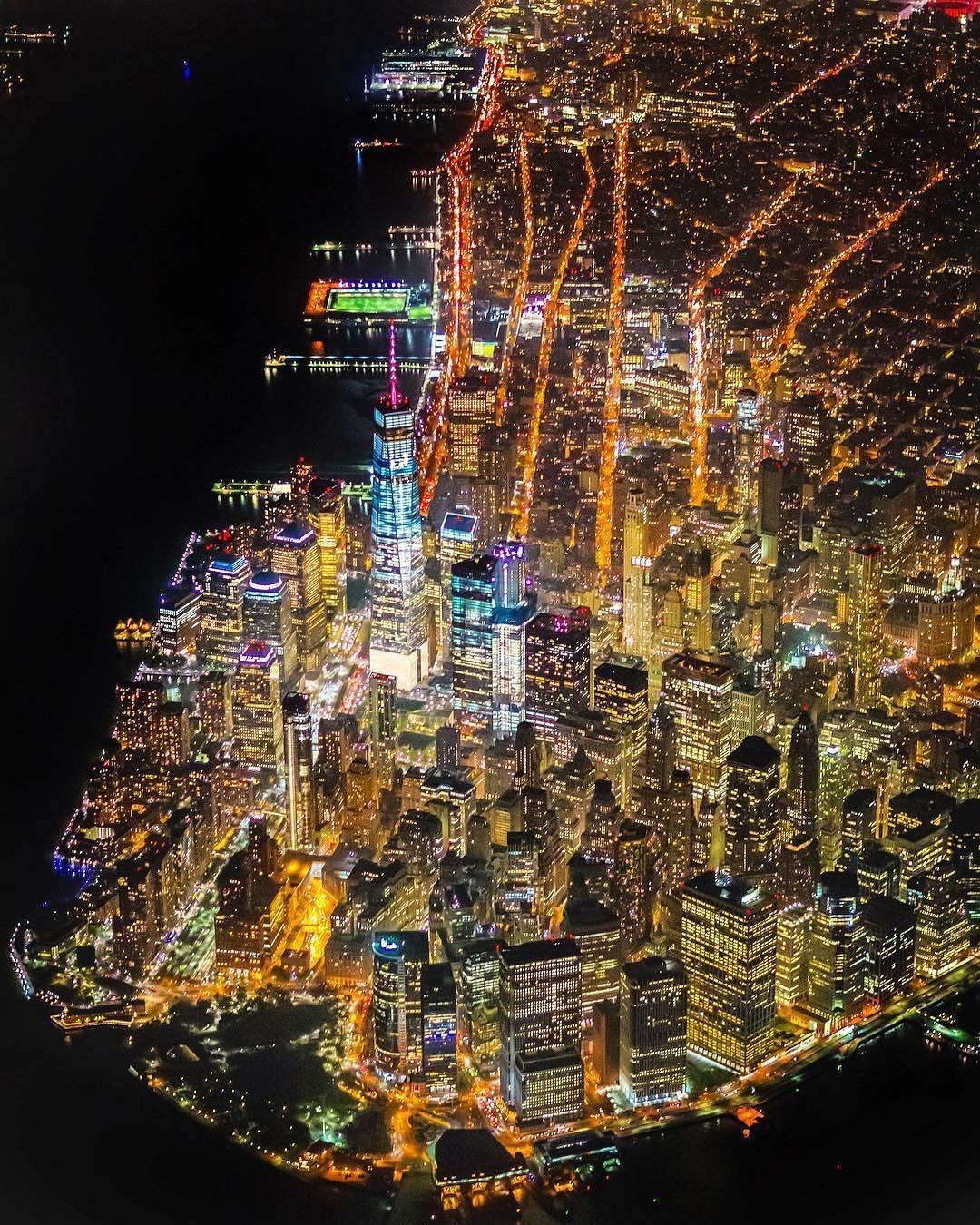 Ночной Манхэттен,  Нью-Йорк. Фотограф agpfoto