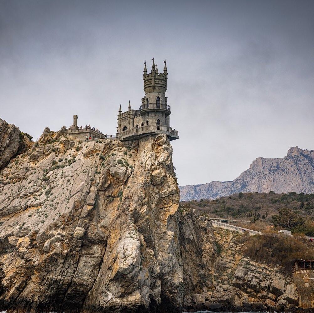 Ласточкино гнездо, Крым. Фотограф Евгений Кужилев