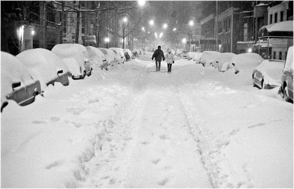 Романтика в метель, Нью-Йорк. Фотограф Мэтт Вебер