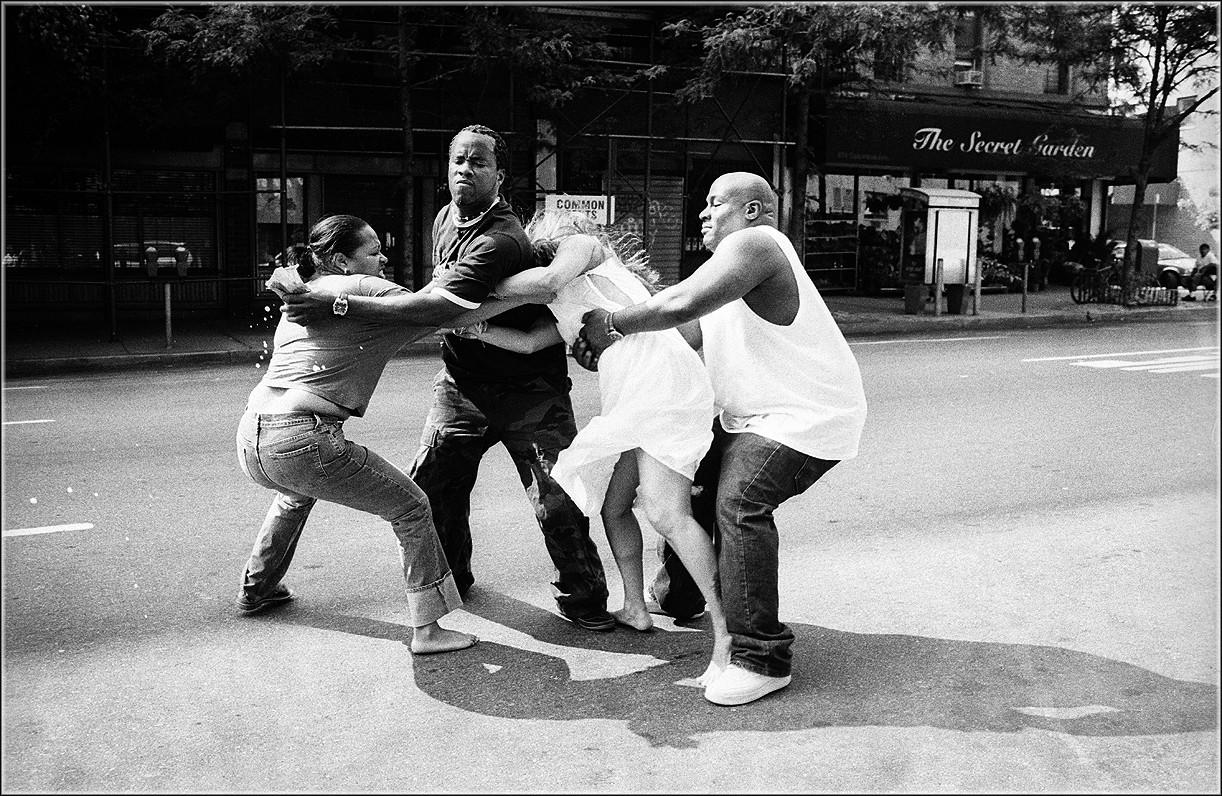 Женская драка в Нью-Йорке, 2007. Фотограф Мэтт Вебер