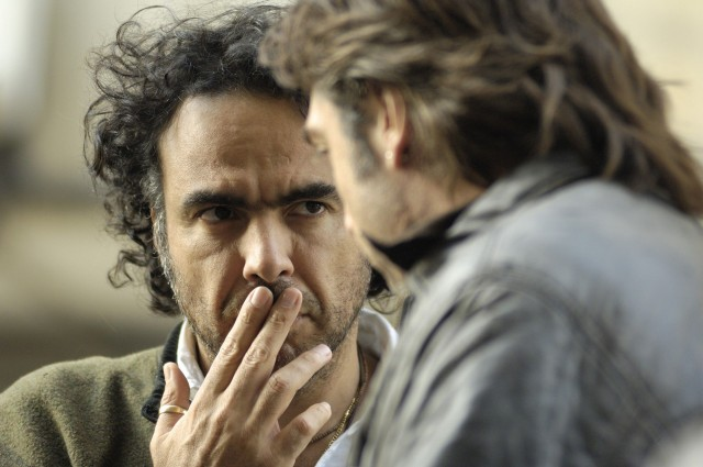 Алехандро Гонсалес Иньярриту и Хавьер Бардем на съёмках драмы «Бьютифул», 2010