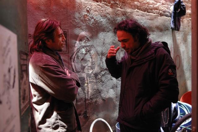 Алехандро Гонсалес Иньярриту и Хавьер Бардем на съёмках фильма «Бьютифул», 2010