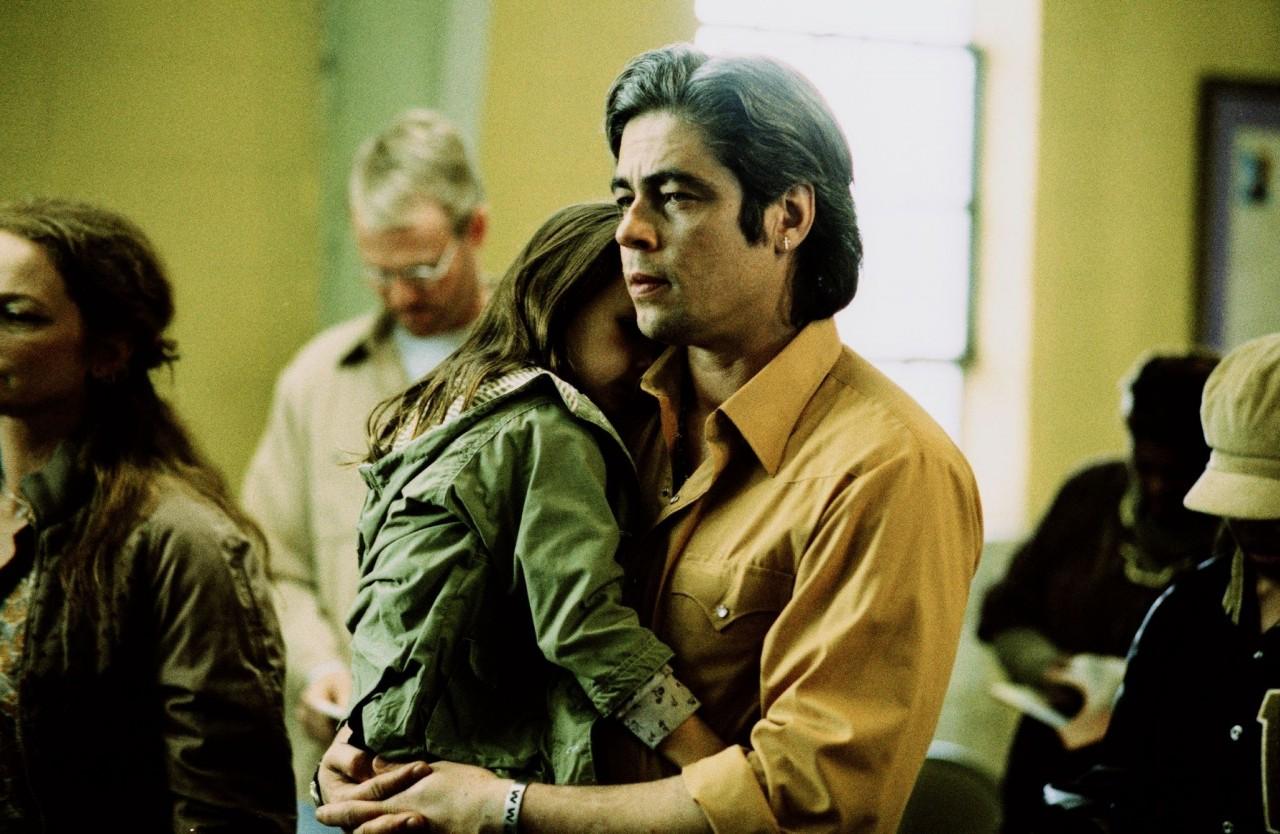 Бенисио дель Торо на съёмках «21 грамма», 2003