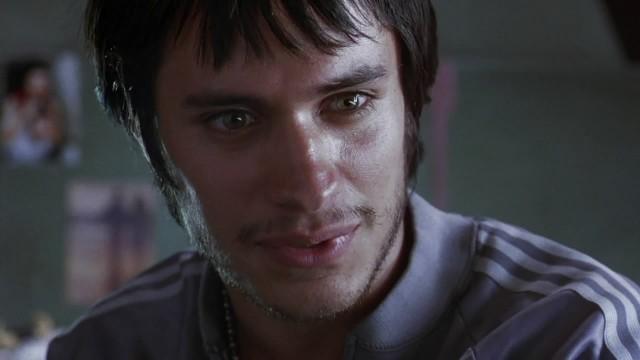 Гаэль Гарсия Берналь в драме «Сука любовь», 2000