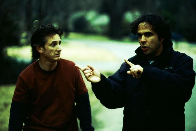Шон Пенн и Алехандро Г. Иньярриту на съёмках «21 грамма», 2003