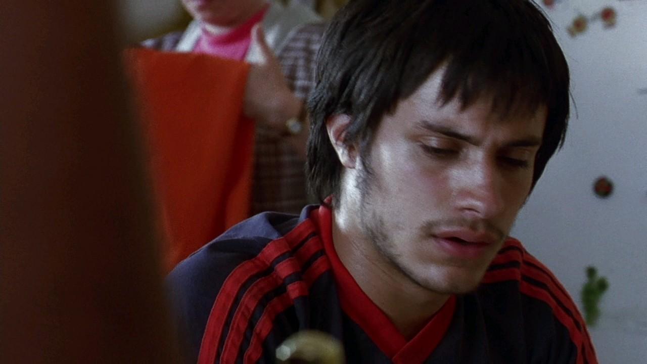 Гаэль Гарсия Берналь в фильме «Сука любовь», 2000