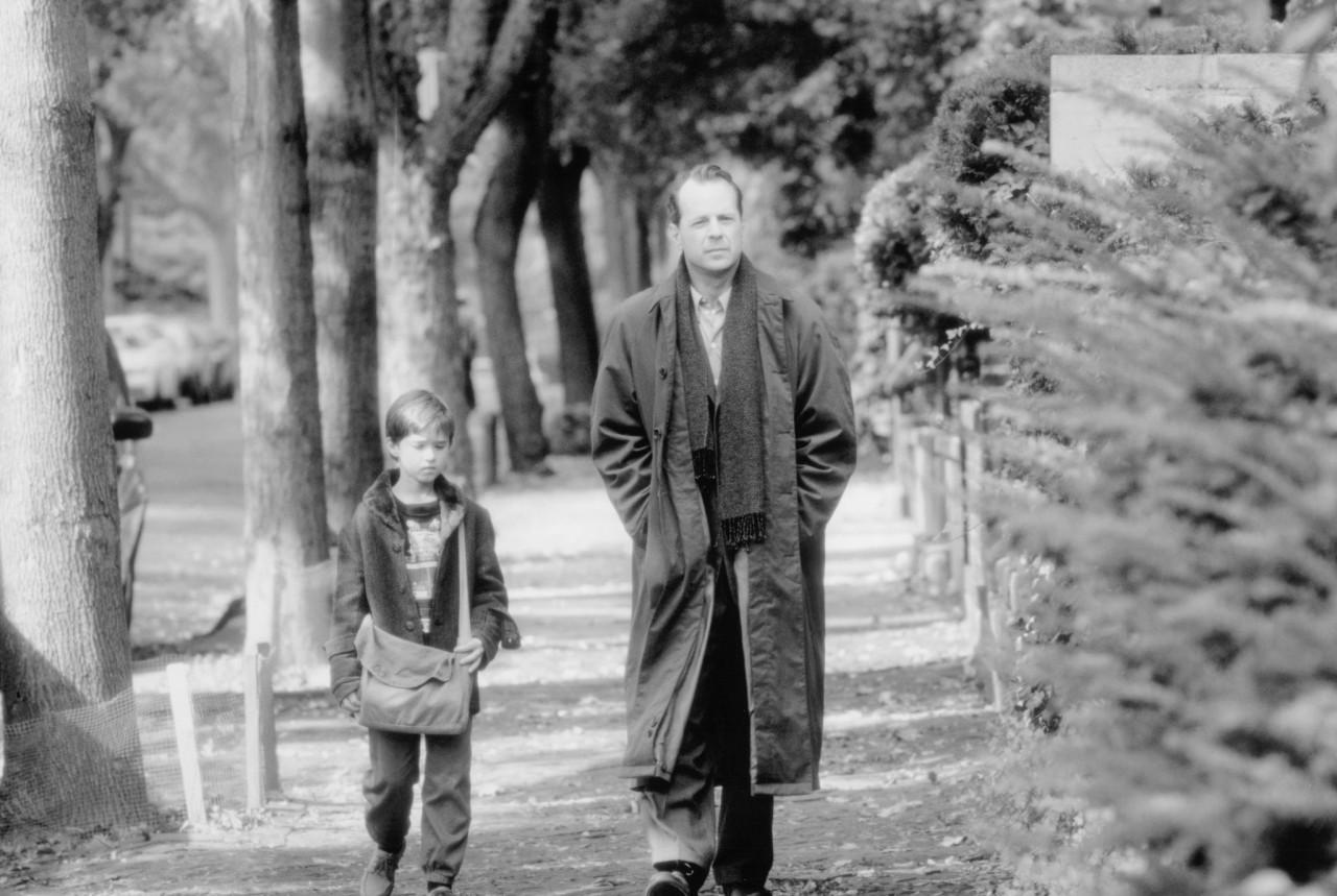 Брюс Уиллис и Хэйли Джоэл Осмент в «Шестом чувстве», 1999