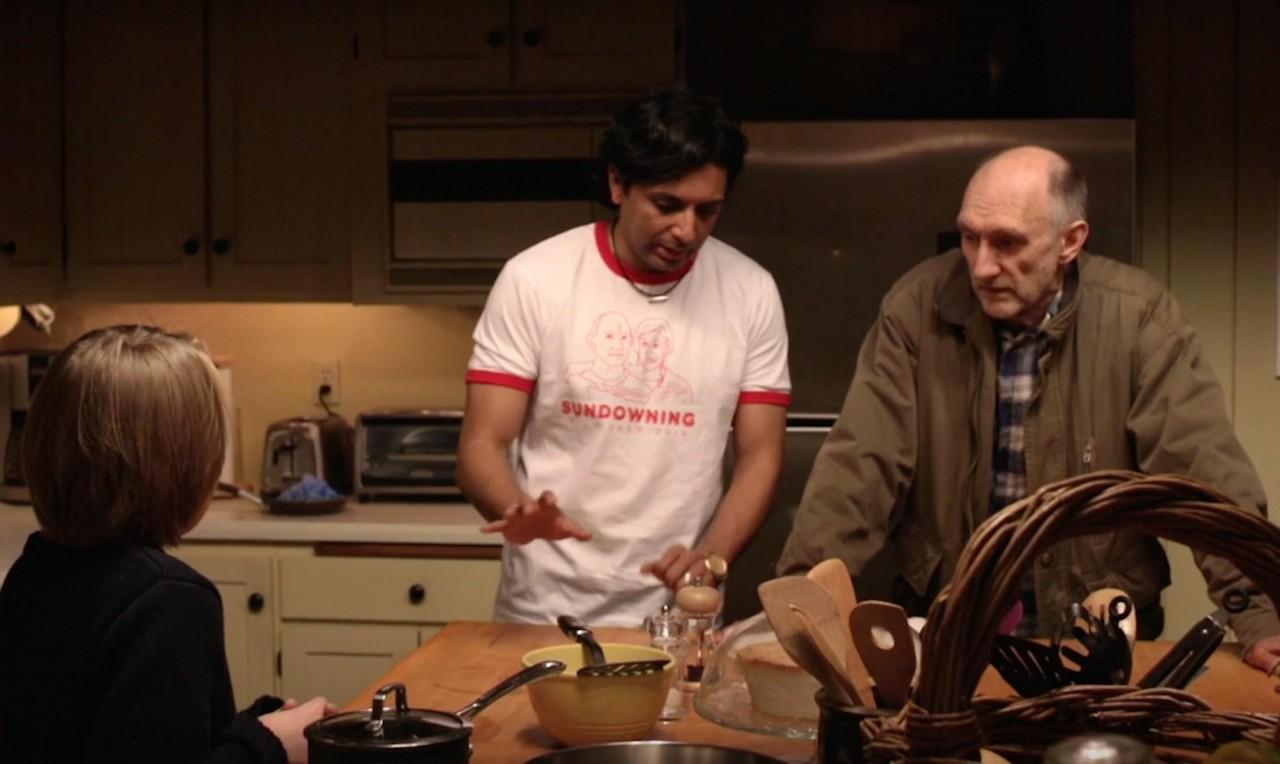 Питер Макробби, М. Найт Шьямалан и Эд Оксенбульд на съёмках фильма «Визит», 2015