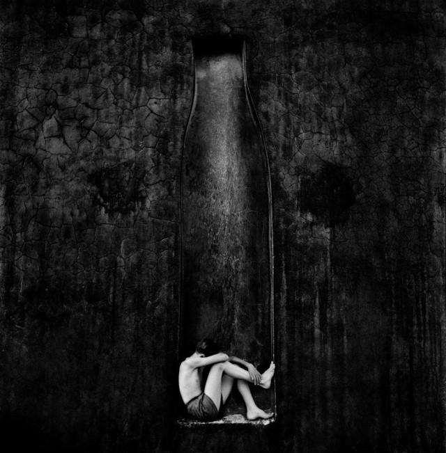 Чёрная стена, 1954. Фотограф Пьерджорджо Бранци