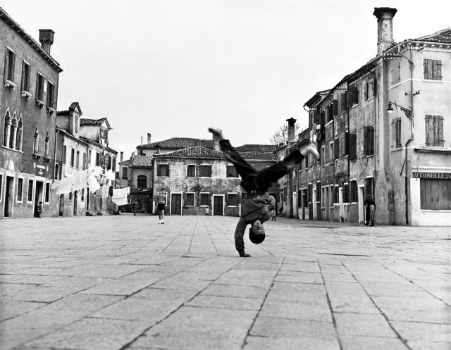 Бурано, Пьяцца Гранде, 1954. Фотограф Пьерджорджо Бранци