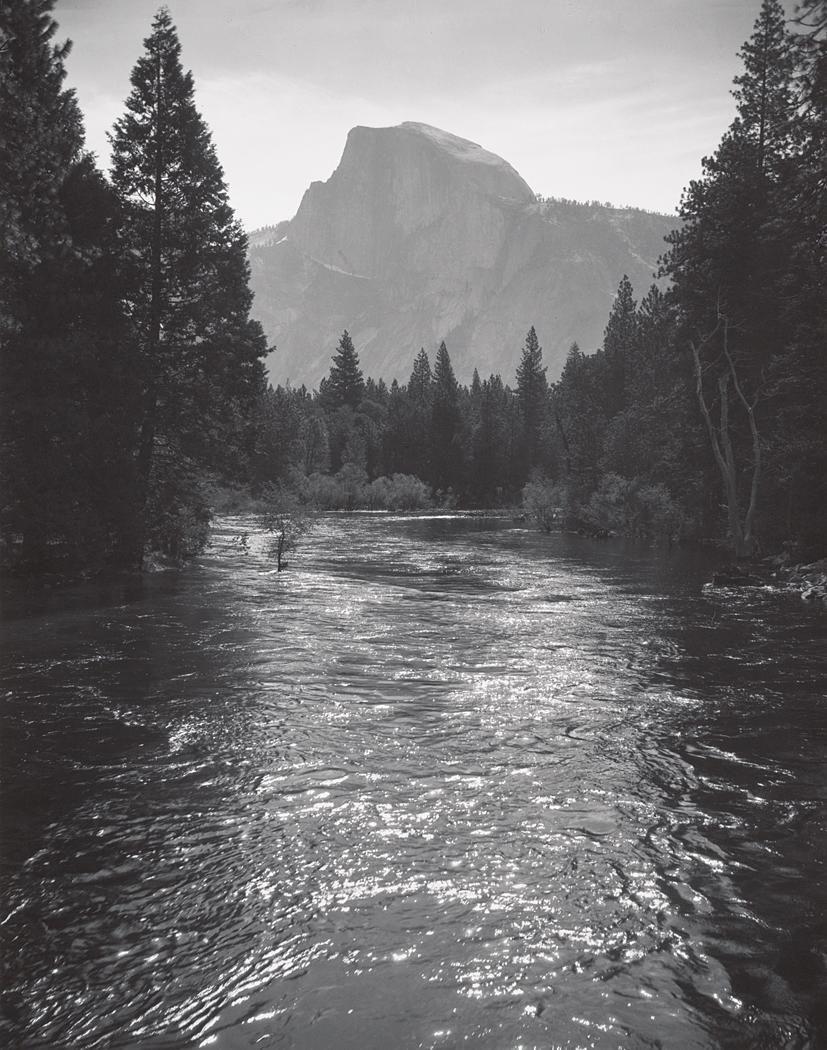 Хаф-Доум, солнечный свет на реке Мерсед, национальный парк Йосемити, около 1935. Фотограф Энсел Адамс