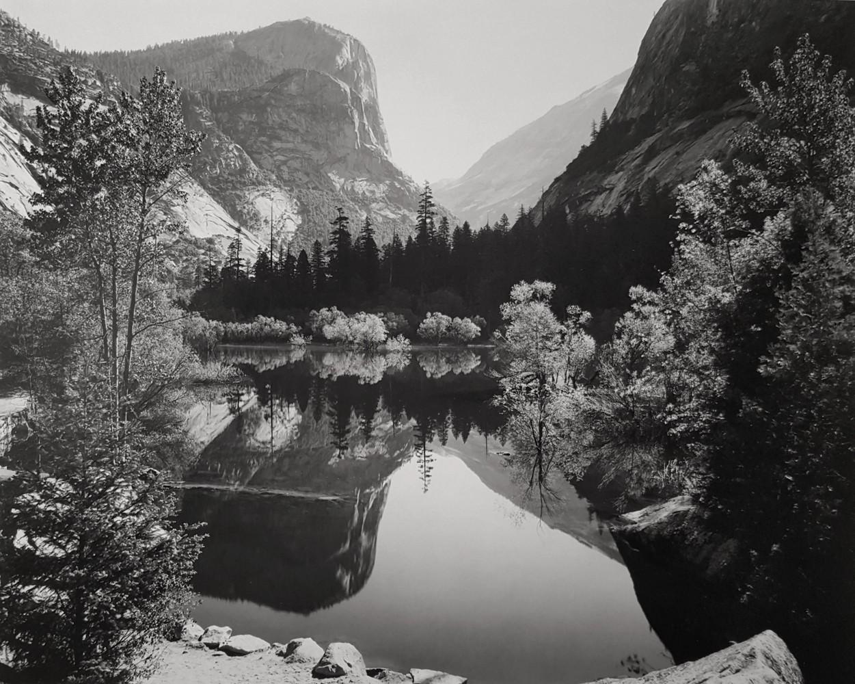 Зеркальное озеро, 1935. Фотограф Энсел Адамс