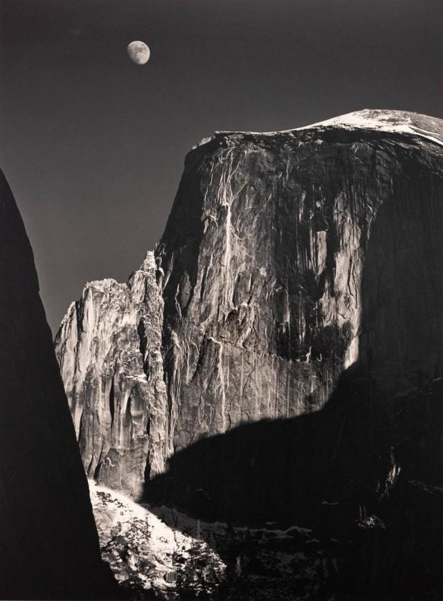 Луна и Хаф-Доум, 1960. Фотограф Энсел Адамс