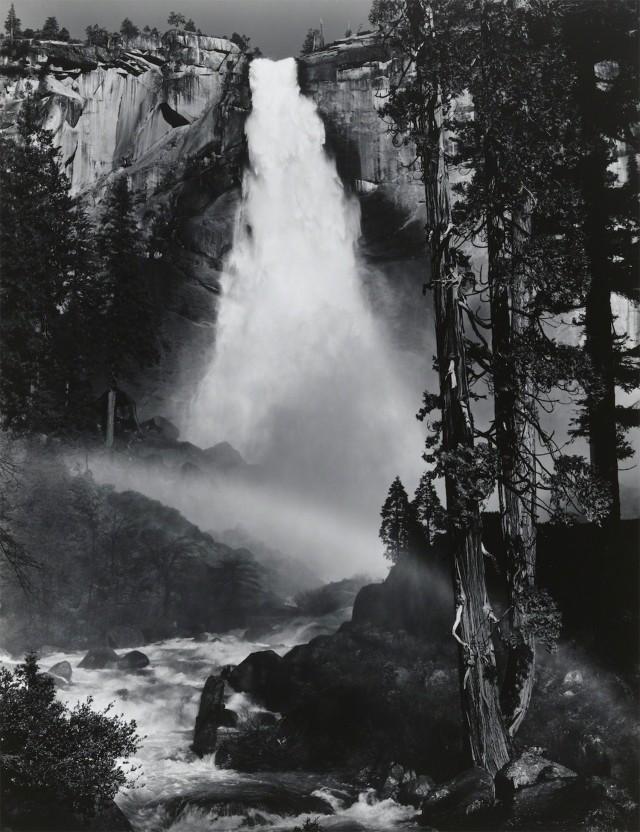 Водопад Невада, Радуга, 1946. Фотограф Энсел Адамс