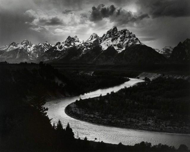 Титон и река Снейк, национальный парк Гранд-Тетон, 1942. Фотограф Энсел Адамс