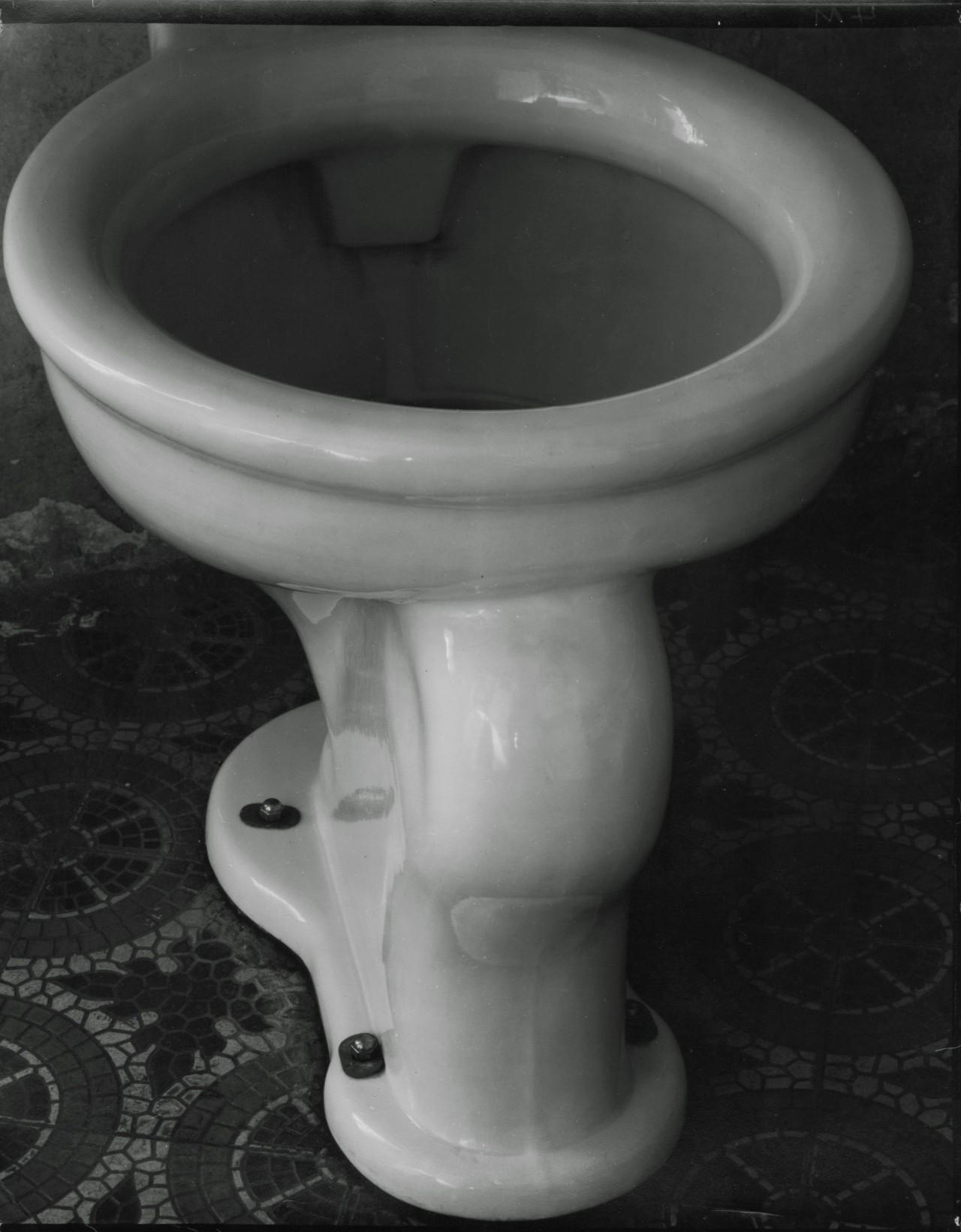 Туалет, 1925. Фотограф Эдвард Уэстон