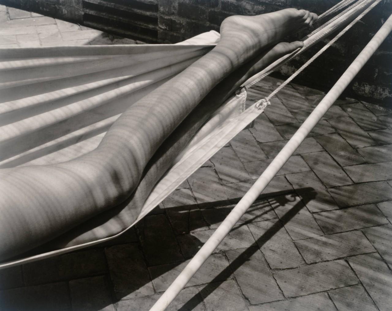 Ноги в гамаке, 1937. Фотограф Эдвард Уэстон