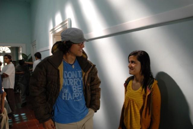 Кэри Фукунага и Паулина Гайтан на съёмках фильма «Без имени», 2009