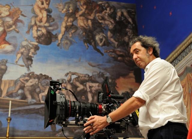 Паоло Соррентино на съёмках сериала «Молодой Папа», 2018