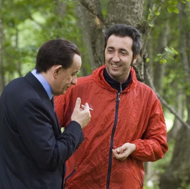Тони Сервилло на перекуре с Паоло Соррентино. Съёмки фильма «Изумительный», 2008
