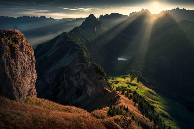 Встречать солнце в горах. Фотограф Макс Райв