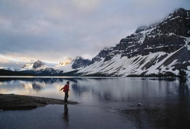 Ледниковое озеро Боу в Национальном парке Банф, Канада, ок. 1995. Фотограф Фил Шермейстер