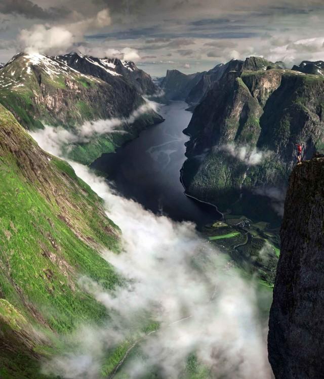 Облака, Норвегия. Фотограф Макс Райв