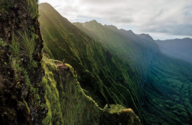Путешественник на острове Оаху, Гавайи. Фотограф Райан Мосс