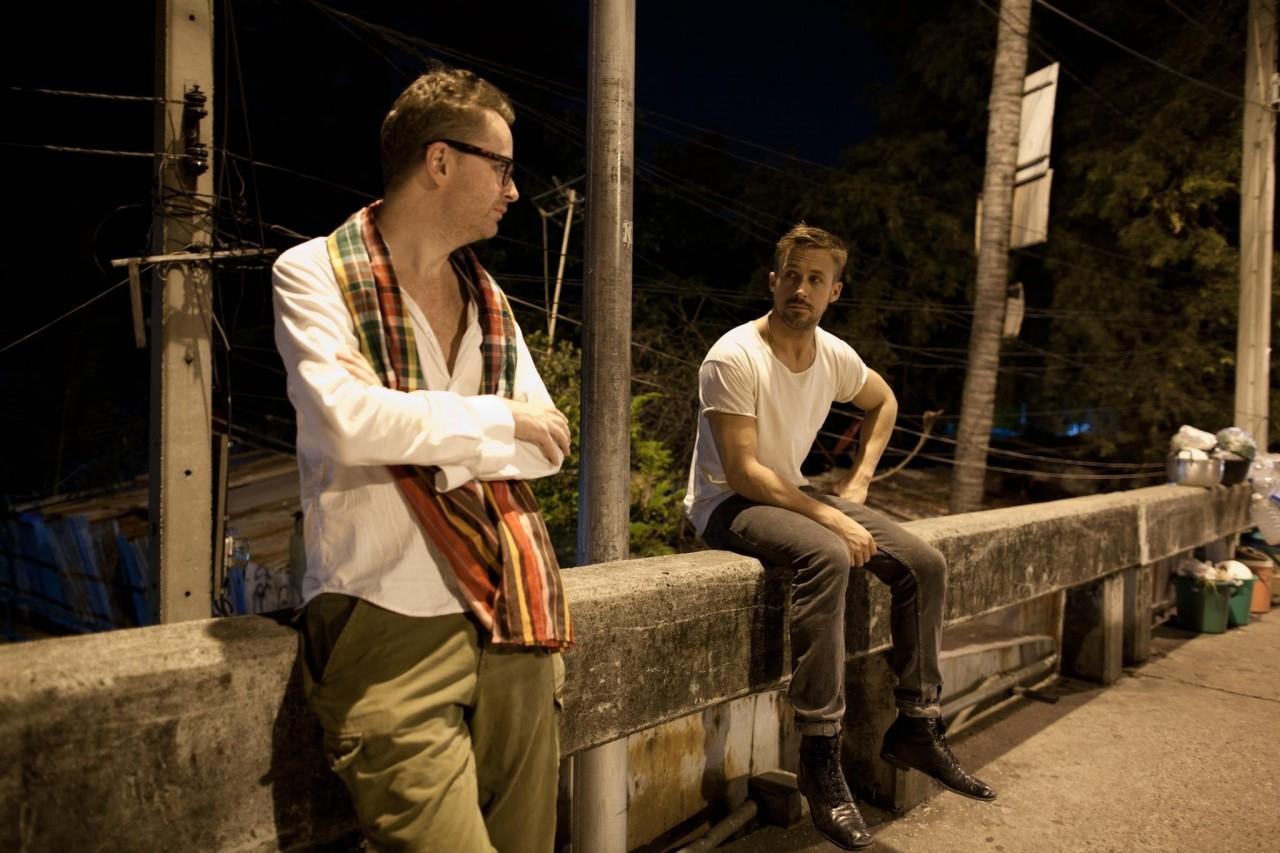Райан Гослинг и Николас Виндинг Рефн на съёмках фильма «Только Бог простит», 2013