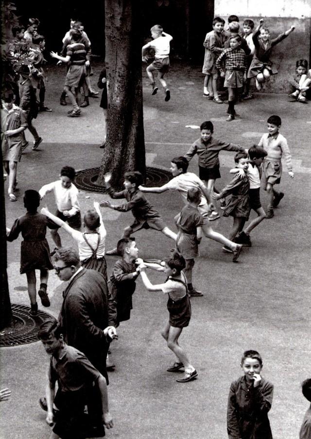 Париж, 1956. Фотограф Робер Дуано